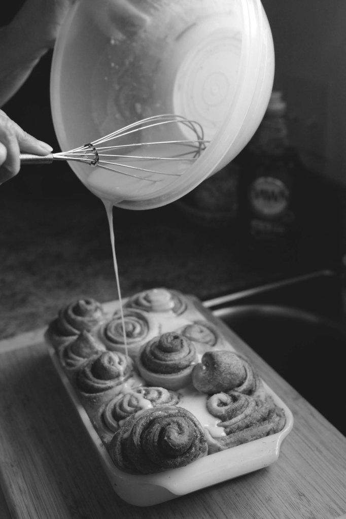 cinnamon roll icing